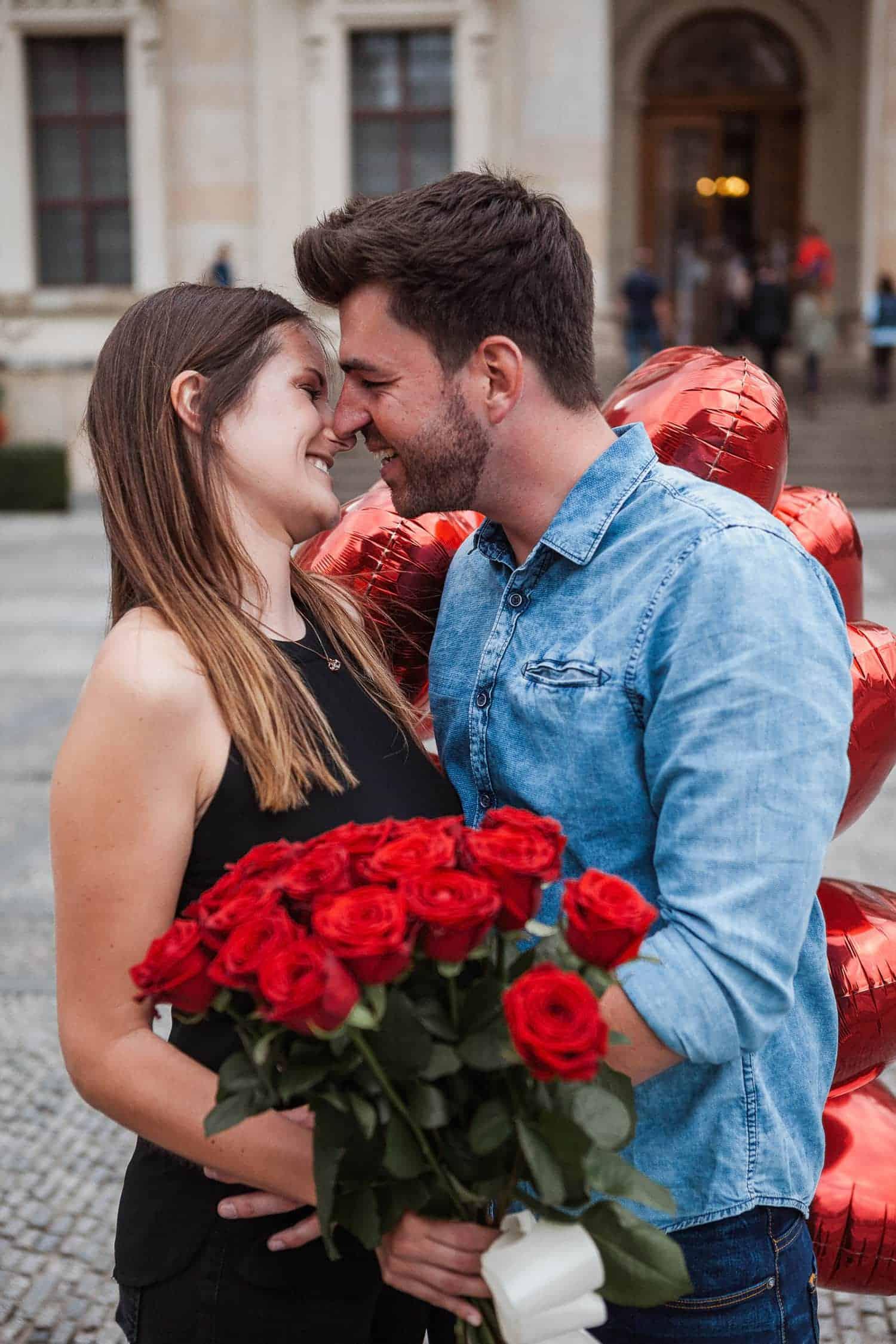Heiratsantrag in Französische Dom Hochzeitsfotograf Berlin Vasil Bituni