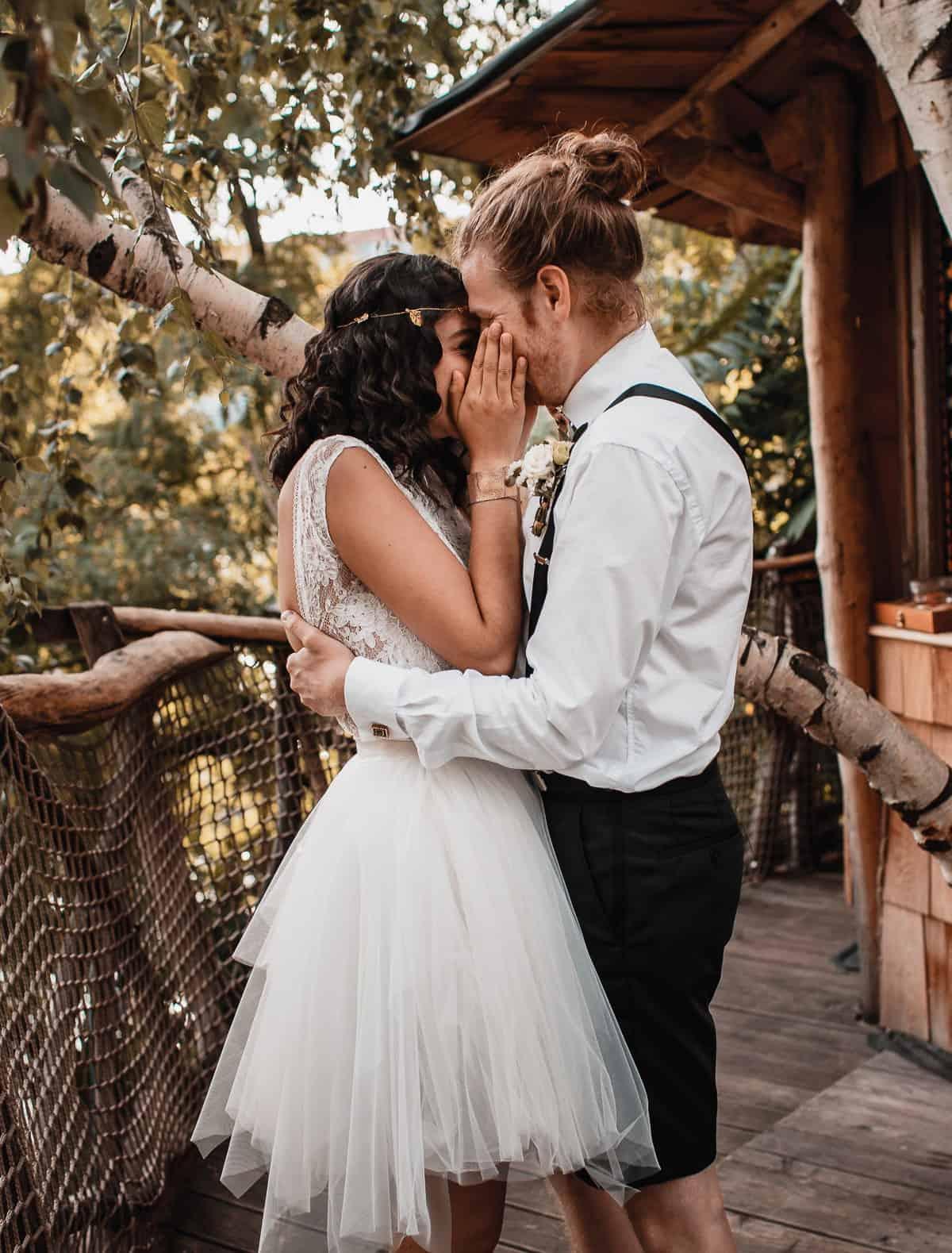 Hochzeitszeremonie in einem Baumhaus. Hochzeitsfotograf Berlin Vasil Bituni-2
