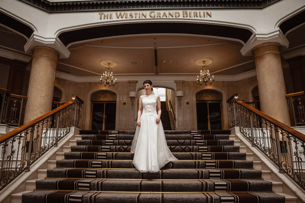 Klasische Hochzeit im Wesitn Grand Hotel Berlin. Hochzeitsfotograf Berlin Vasil Bituni-
