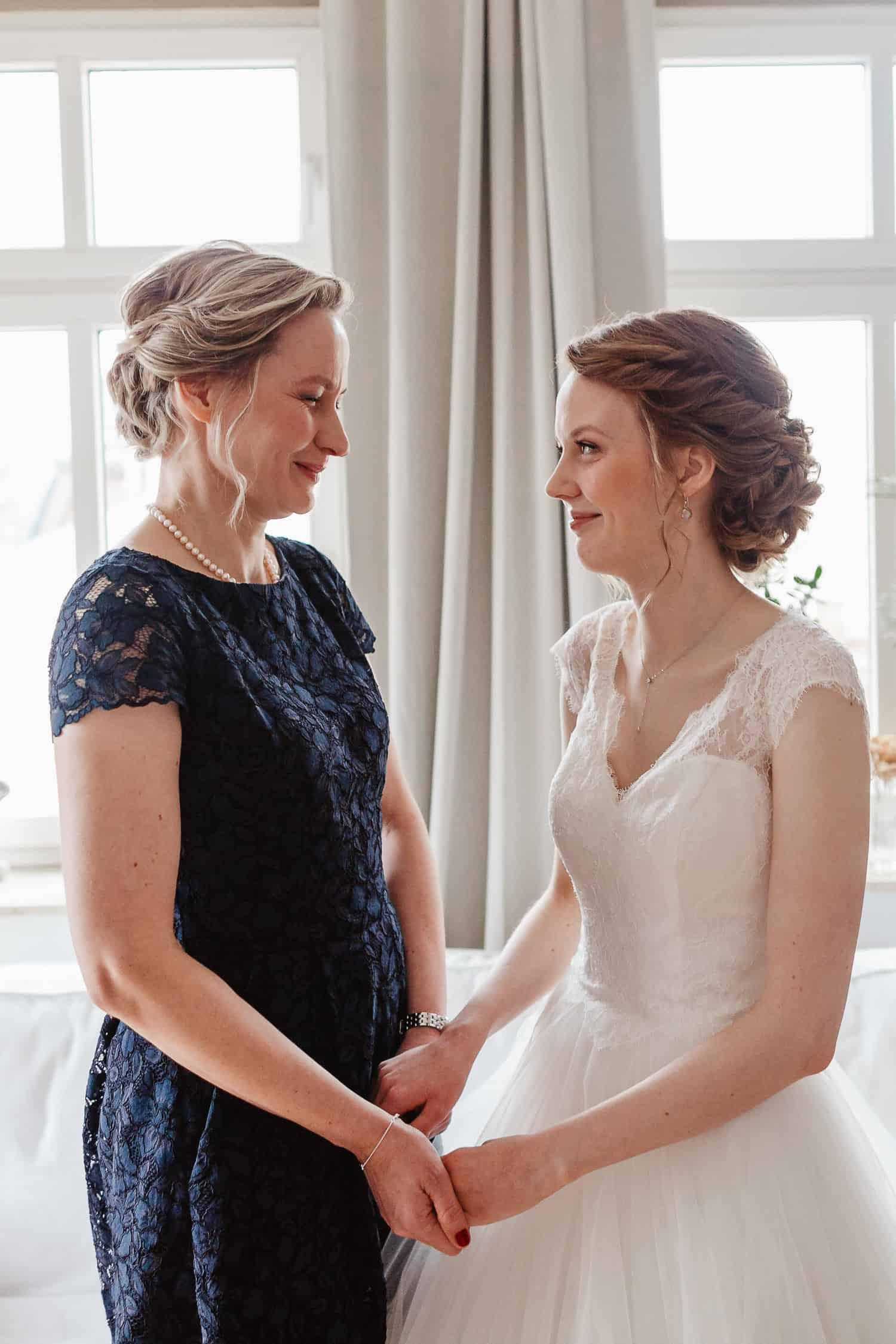Mutter und Braut