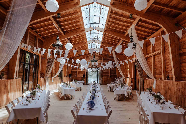 Eibenhof Bad Saarow Hochzeit Saal Deko,