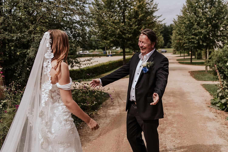 Braut und Vater First look,