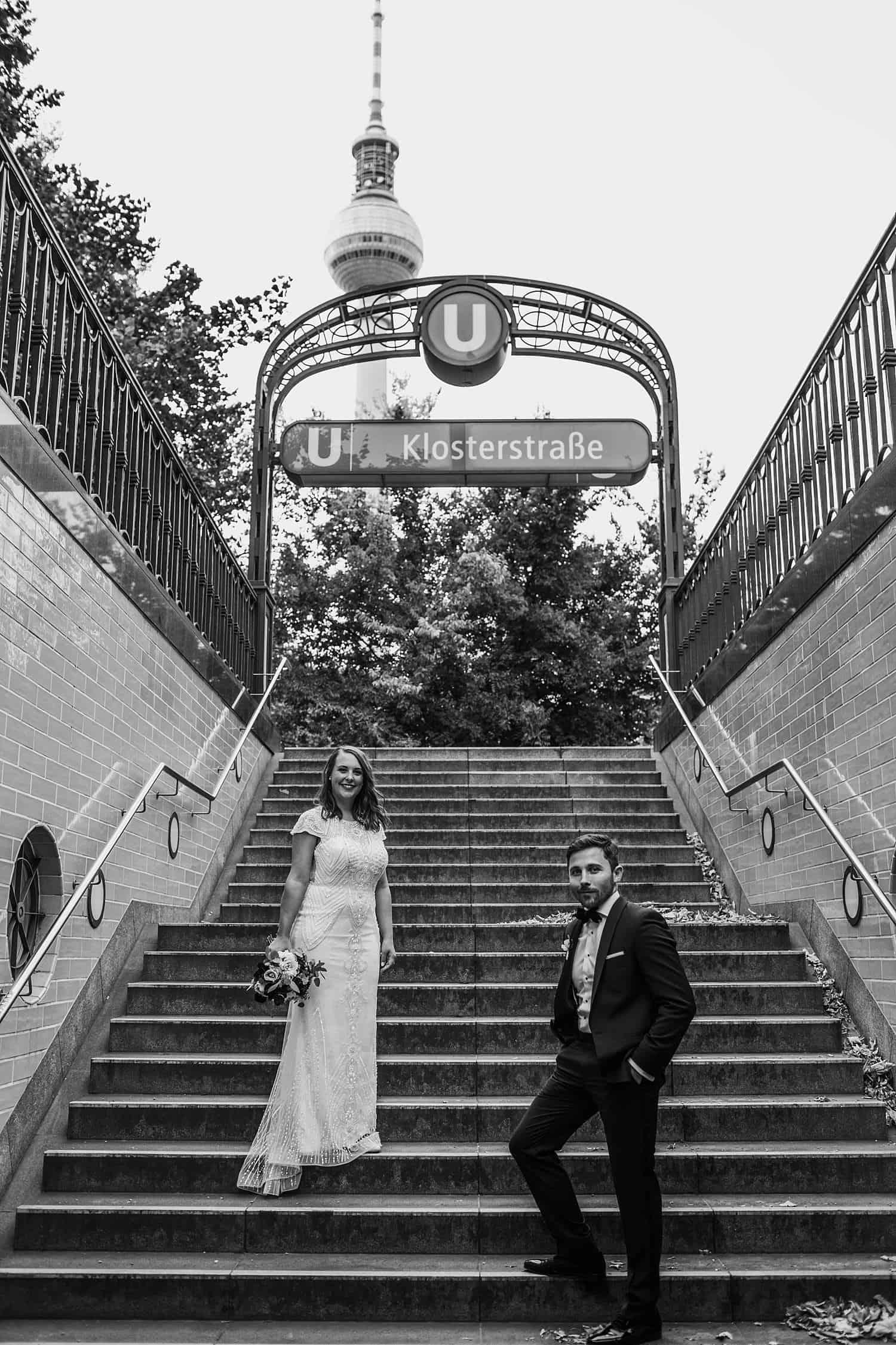 brautpaarshooting berlin mitte Klosterstrasse Ubahn Hochzeitsfotos - Hochzeitsfotograf Berlin Vasil Biuni,